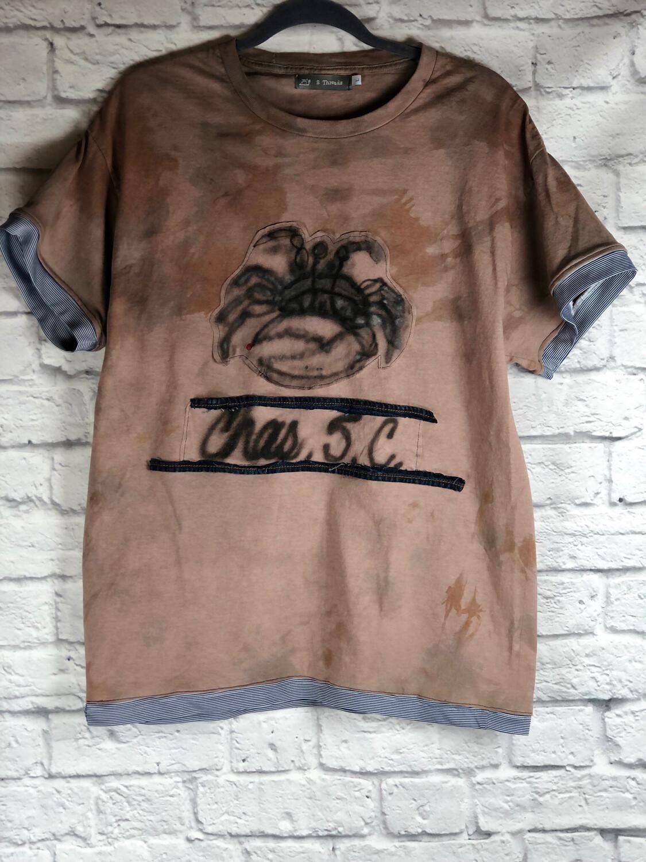 S Threads Upcycled Tshirt Charleston Crab Spray Art Size Men's Large