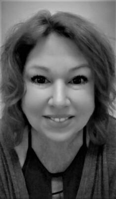 Sasha-Makeup Artist