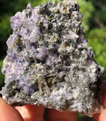 Quartz With Fluorite And Chalcopyrite