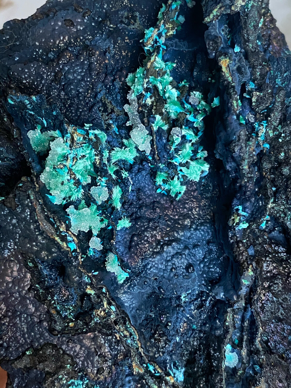 Hematite With Mimitite, Aurichalcite, And Quartz