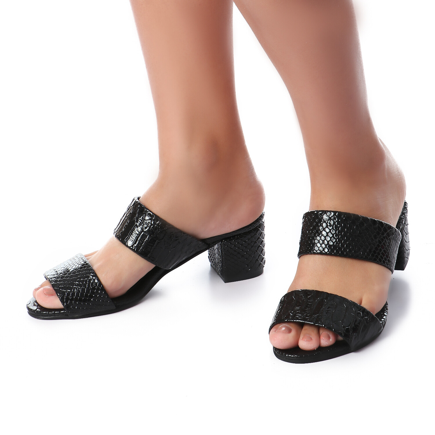 3439 Slipper Black Leather