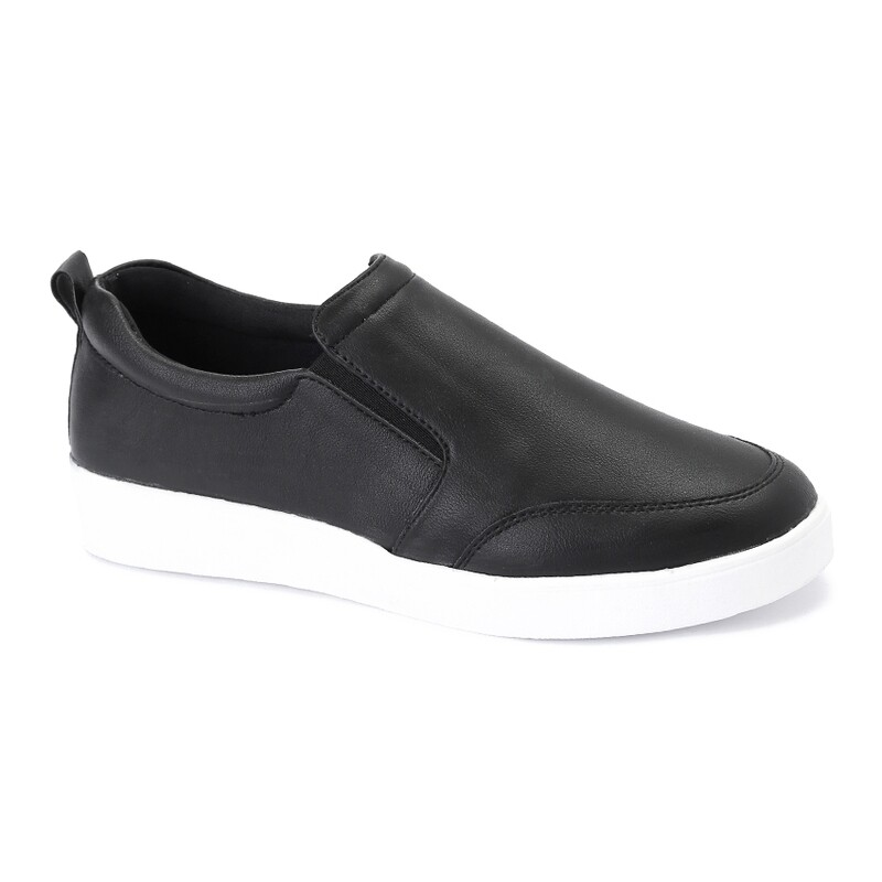 3135    Casual Sneakers - black