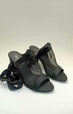 3809 sandal black heels