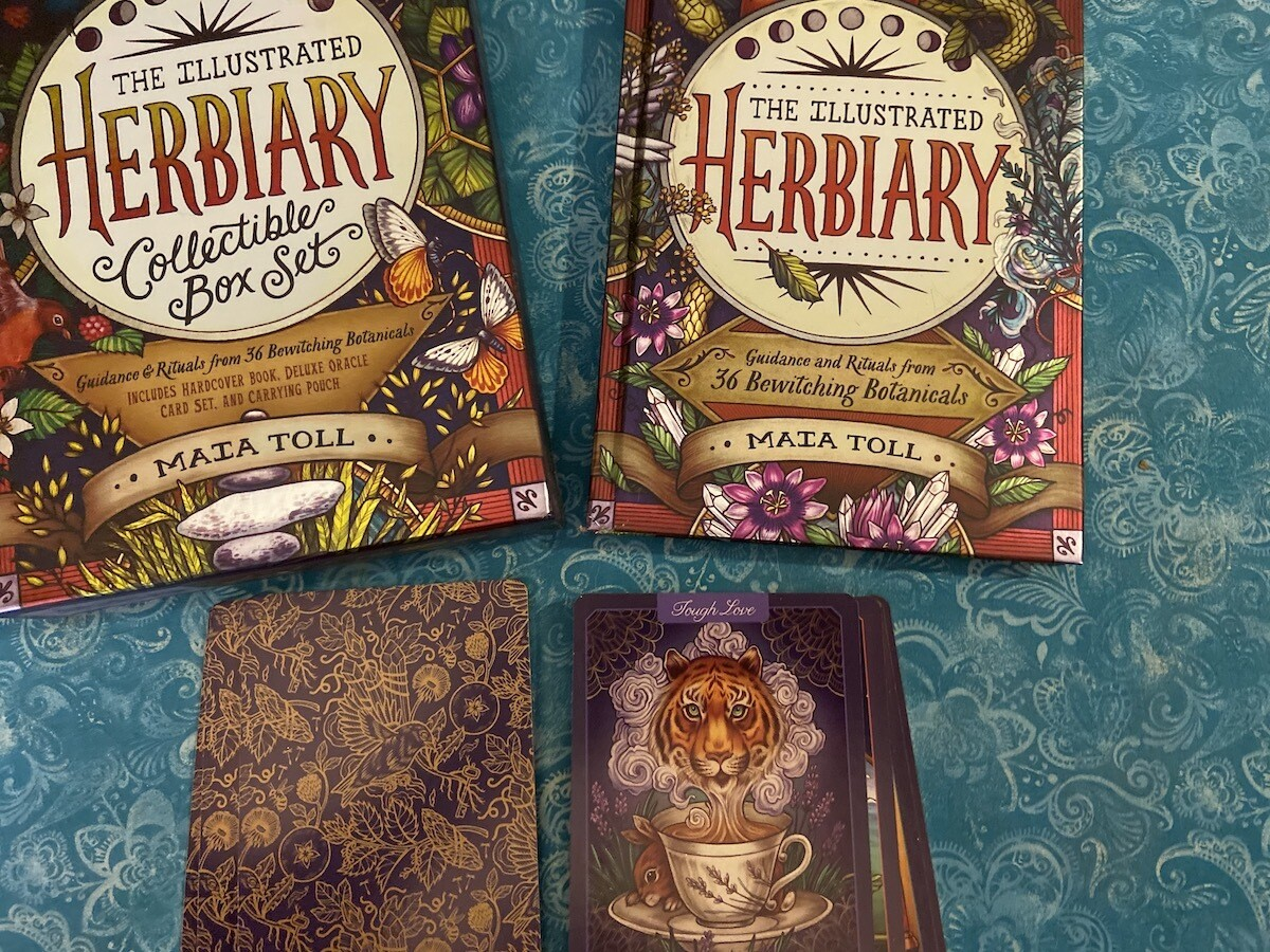 Herbiary Oracle Collectible Set