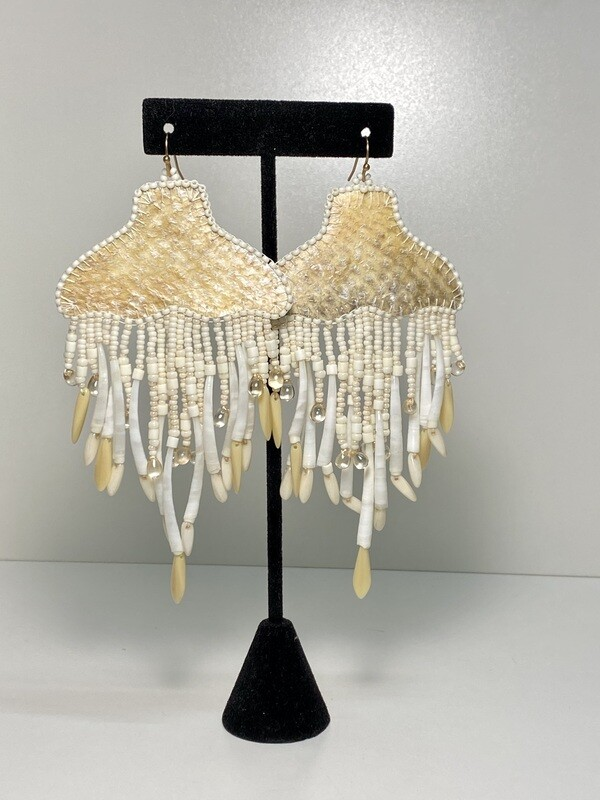 Cream - Whale Tail chandelier earrings