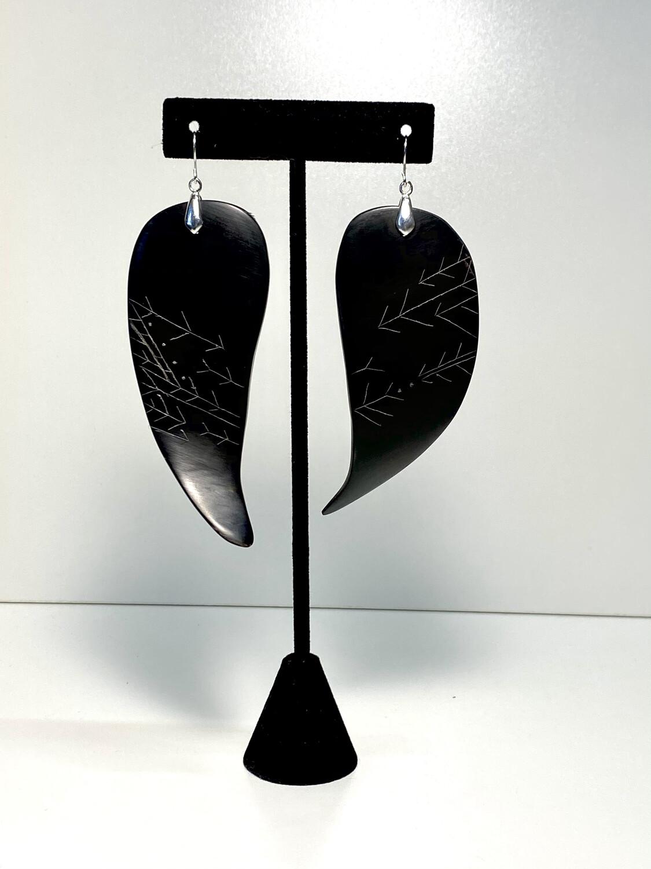 (4) elegant Baleen and silver earrings