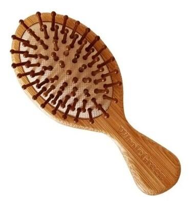 Cepillo de bambú para el cabello. tamaño chico