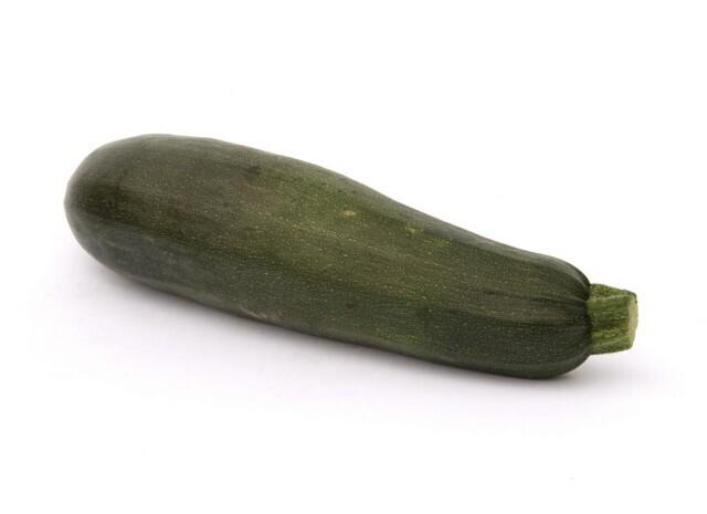 Courgette verte, Les oubliées du potager, (la pièce environ 700-800 gr)