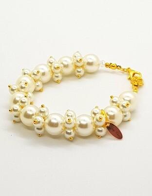 Dual Function Face Mask Extender & Bracelet (Saika Pearl Beads)