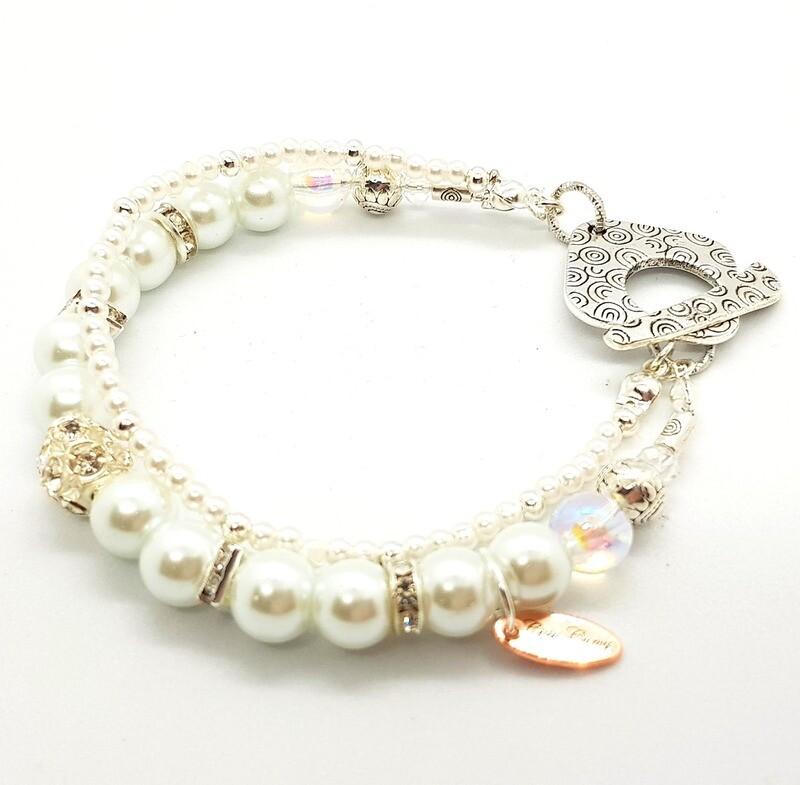 Bracelet With T O Hook (Ohaiyo ~ Beautiful Pearl Beads)