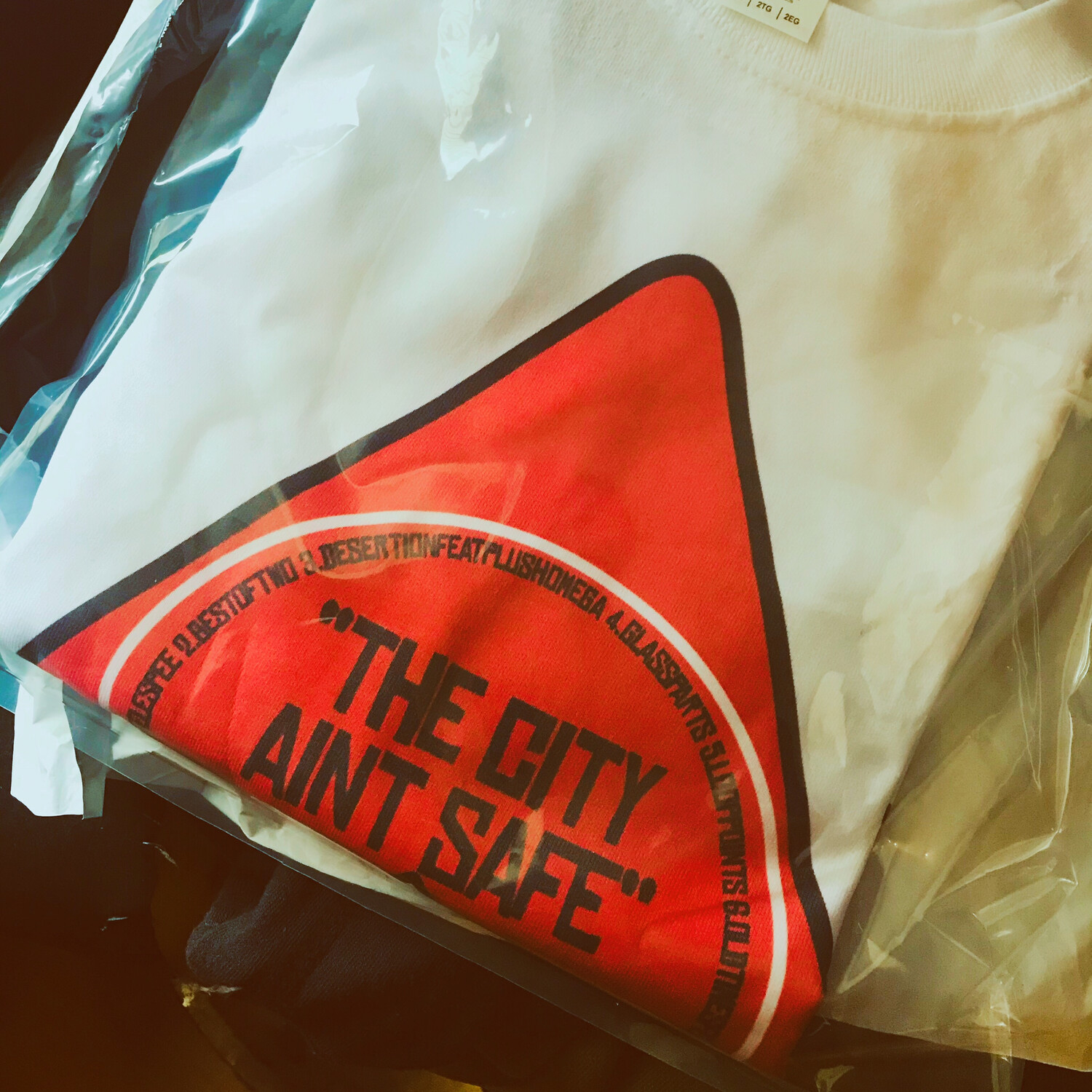 """""""THE CITY AINT SAFE""""EP x TEE PACK"""