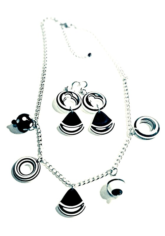 Necklace | Earrings Black And White