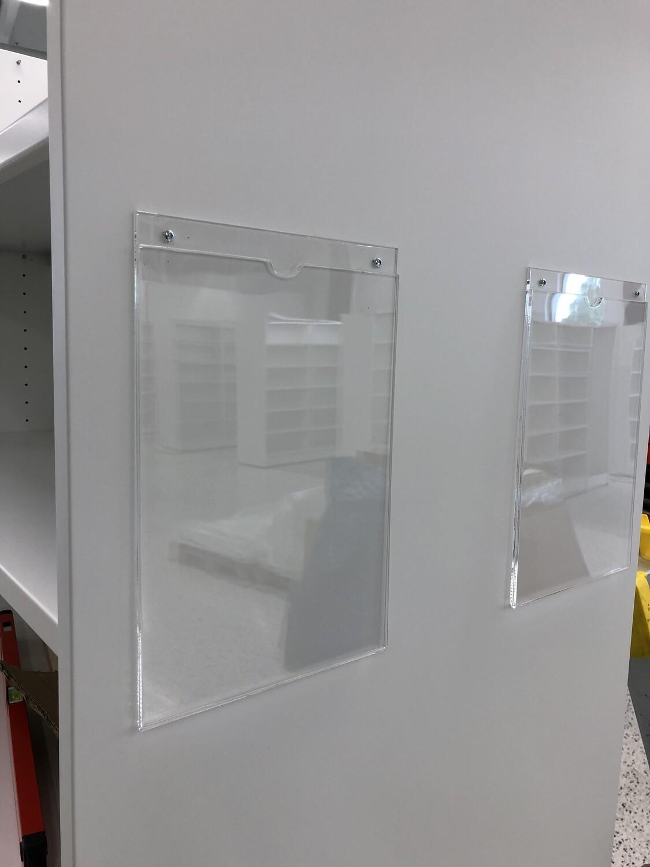 Akryylinen päätyopastetasku A4, ruuvikiinnitys