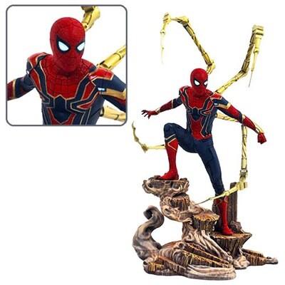 Iron Spider-Man Avengers: Infinity War Marvel Diamond Select Marvel Gallery PVC Diorama Statue (PRE-ORDER)