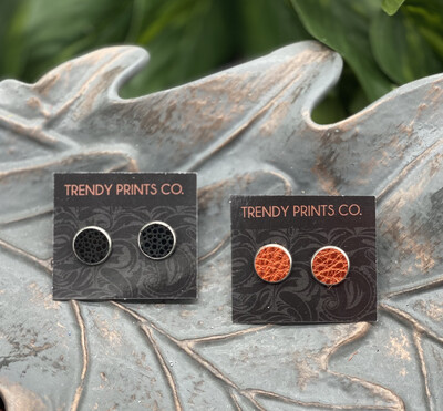 BLACK OR ORANGE STUD EARRINGS