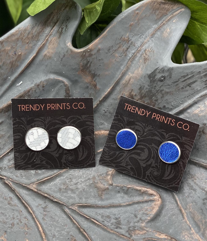 BLACK OR BLUE STUD EARRINGS
