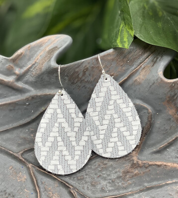WHITE/SILVER CHEVRON LEATHER EARRINGS