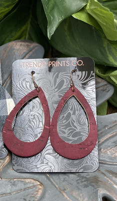 MAROON CUT OUT CORK/LEATHER TEARDROP EARRINGS