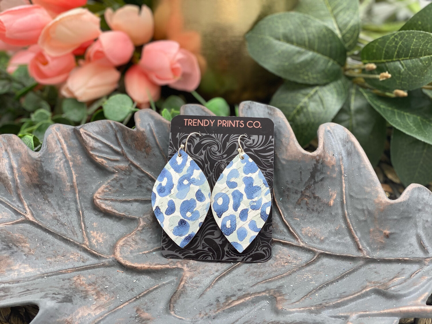 BLUE LEOPARD LEAF CORK/LEATHER EARRINGS