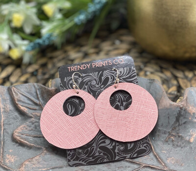 PINK SAFFIANO CIRCLE CUT OUT LEATHER EARRINGS