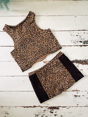 Leopard Print Pole Set Shorts And Crop Top