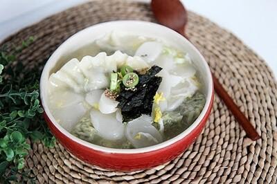 Rice Cake Soup w/ Dumplings