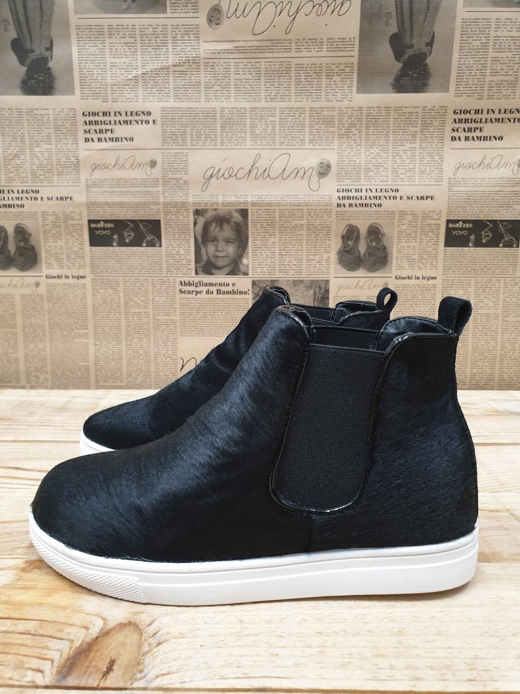 Sneakers Beatle