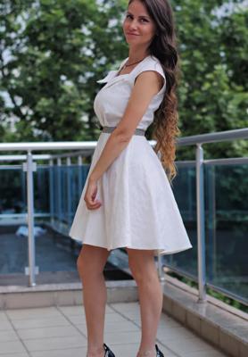 Рокля- White lady