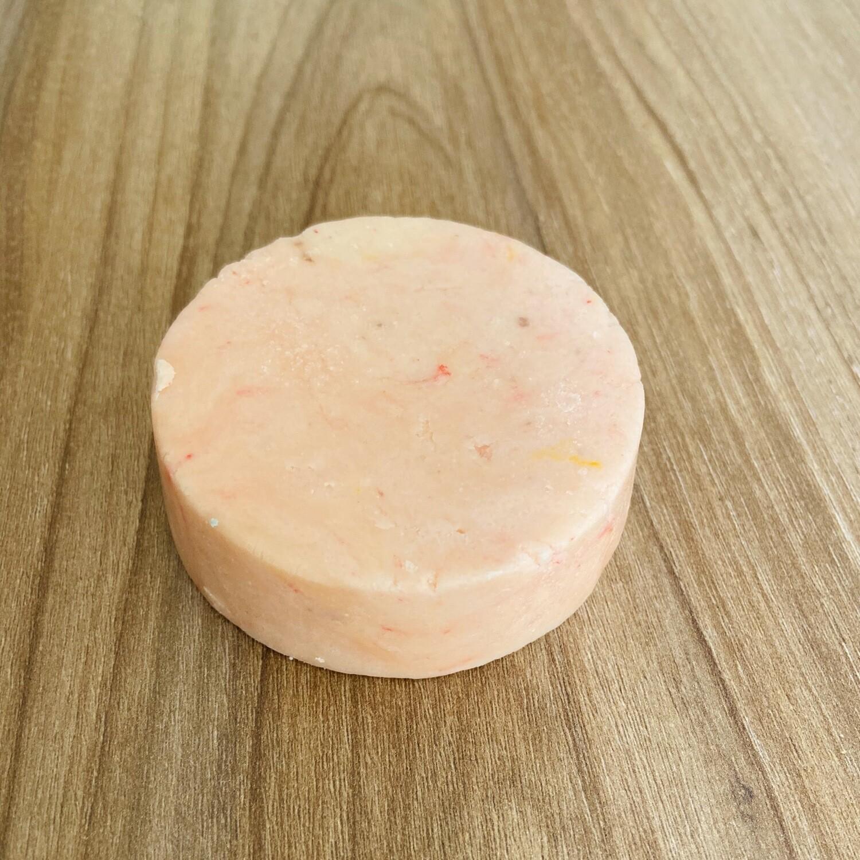 Shampoo Sólido de Germen de Trigo / Solid Shampoo Wheat Germ Salad para Cabello Normal a Seco, Controla Frizz, Sella Puntas Abiertas - BLACKDOLL BEAUTY