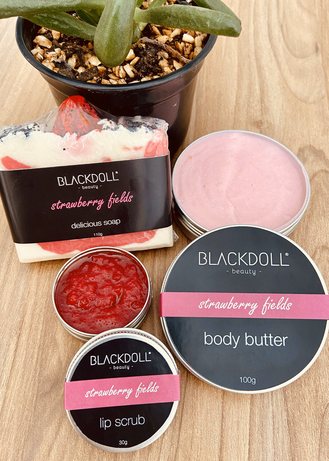 Kit Strawberry Fields/Fresas con Crema  - BLACKDOLL BEAUTY
