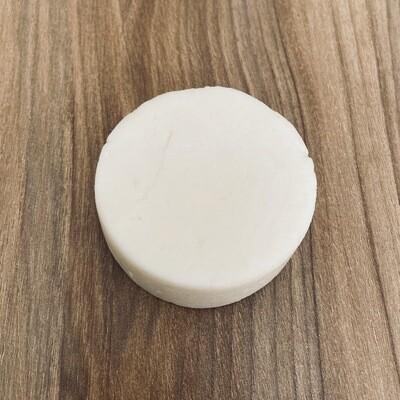 Acondicionador Sólido de Coco/Solid Conditioning Coconut Milk para Todo tipo de Cabello, Anticaspa, Anticaída - BLACKDOLL BEAUTY