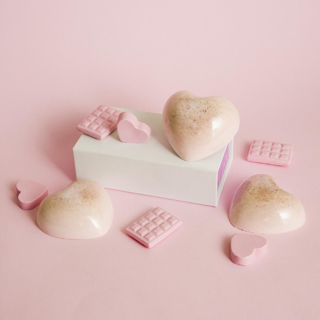 Essential Soap | Jabón Esencial de Arcilla Rosa con Fresa - BLACKDOLL BEAUTY