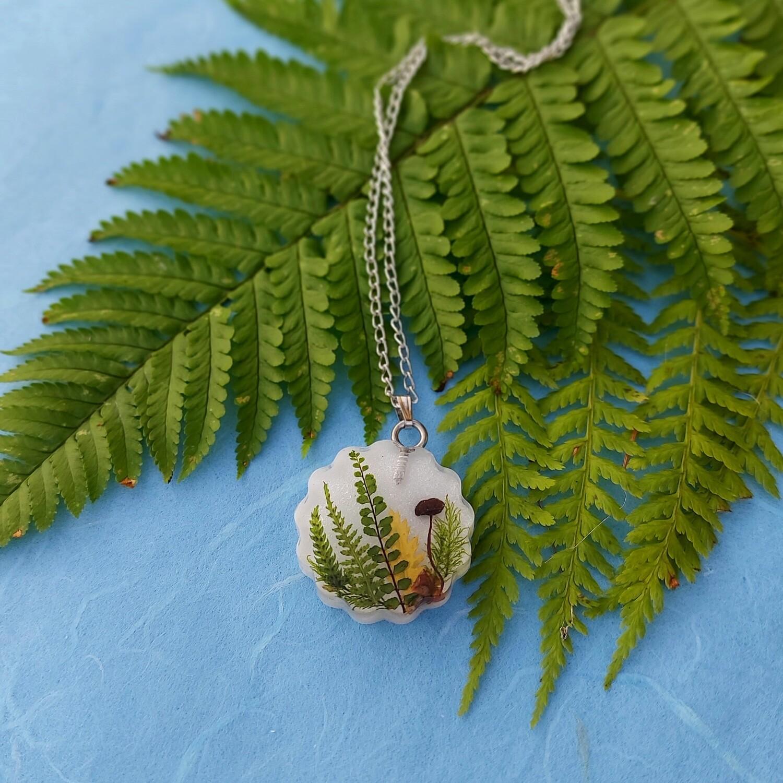 Cvetlično mineralna ogrlica GOZDNA PRAVLJICA 9