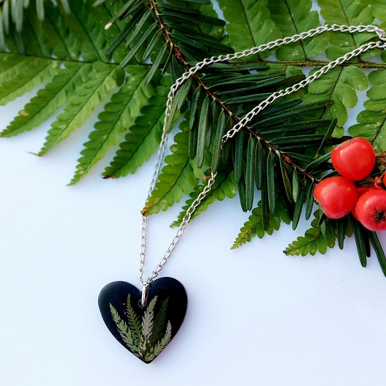 Cvetlično mineralna ogrlica BLACK LADY 2