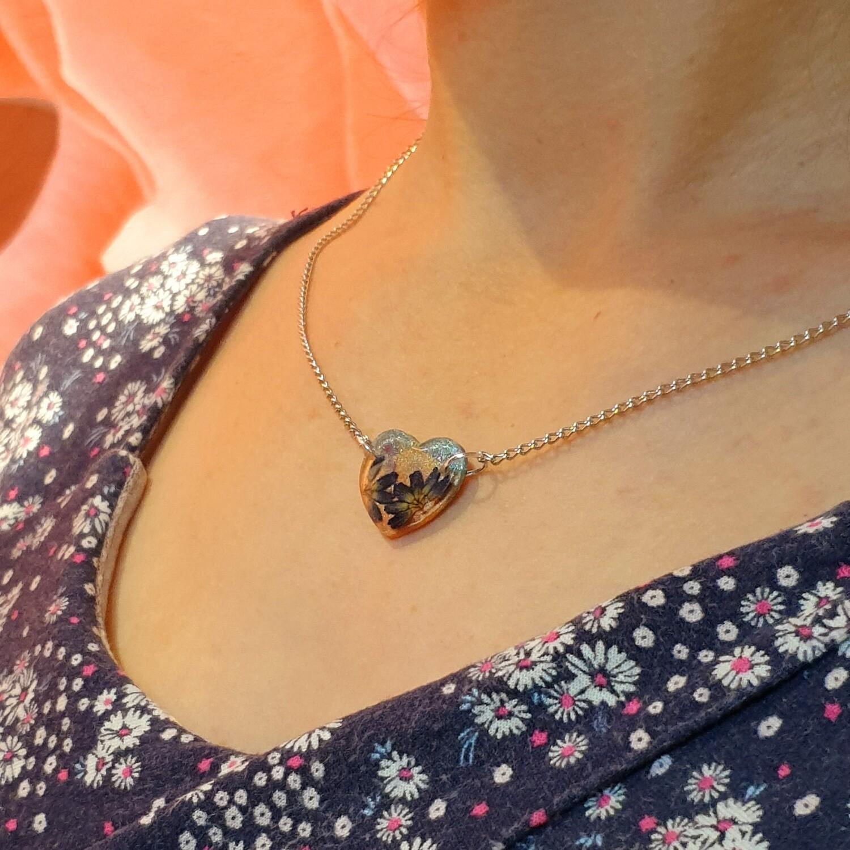 Cvetlično mineralna ogrlica LJUBKA SIVKA