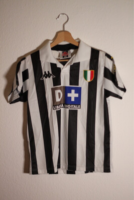 Juventus 1998/99 Home Young