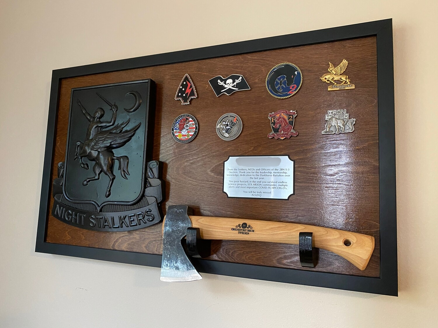 "160th - Hatchet Mounting Plaque 28.5""x16.5"""