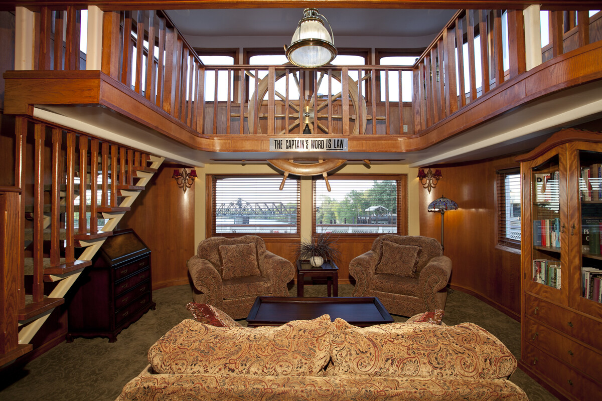 Captains Quarters Luxury Suite for Two, Breakfast Included