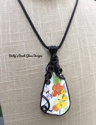 Cheerful English Floral Sea Pottery Necklace