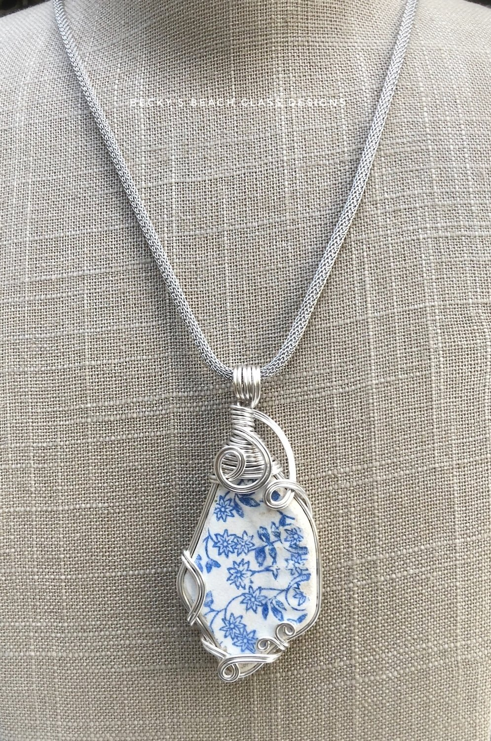 Blue & White Greek Floral Sea Pottery Necklace