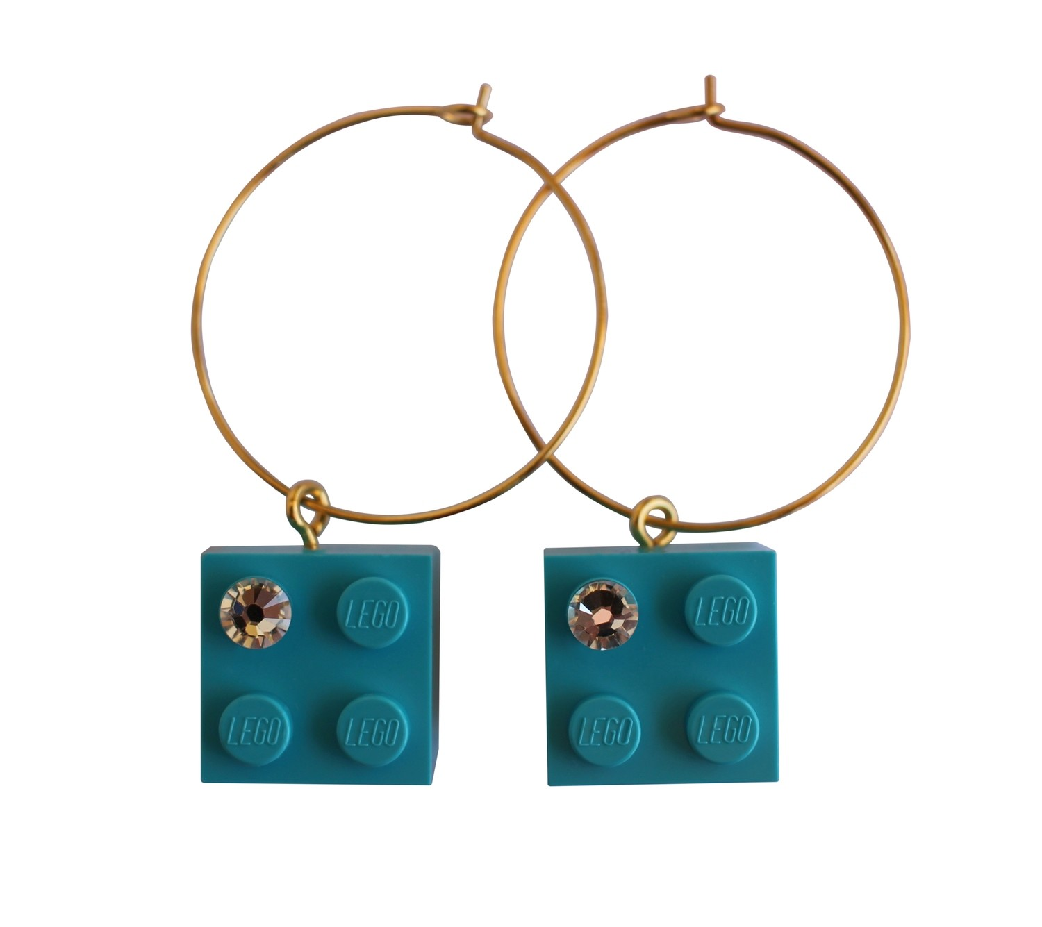 Turquoise Blue LEGO® brick 2x2 with a 'Diamond' color SWAROVSKI® crystal on a Gold plated hoop