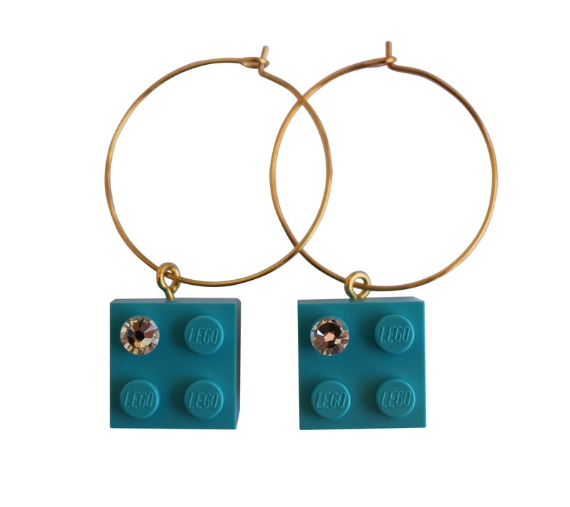 ​Turquoise Blue LEGO® brick 2x2 with a 'Diamond' color SWAROVSKI® crystal on a Gold plated hoop