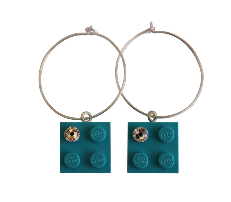 Turquoise Blue LEGO® brick 2x2 with a 'Diamond' color SWAROVSKI® crystal on a Silver plated hoop