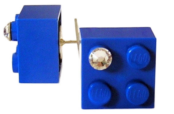 ​Dark Blue LEGO® brick 2x2 with a 'Diamond' color SWAROVSKI® crystal on a Silver plated stud/silicone back stopper