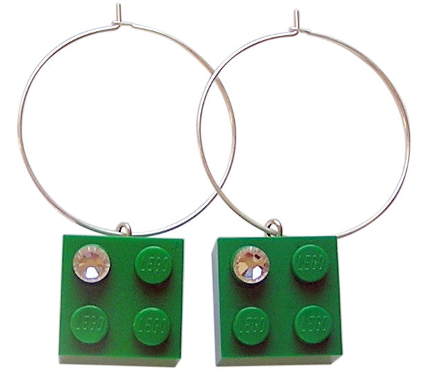 ​Dark Green LEGO® brick 2x2 with a 'Diamond' color SWAROVSKI® crystal on a Silver plated hoop