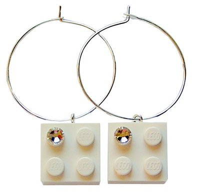 White LEGO® brick 2x2 with a 'Diamond' color SWAROVSKI® crystal on a Silver plated hoop