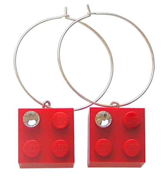 Red LEGO® brick 2x2 with a 'Diamond' color SWAROVSKI® crystal on a Silver plated hoop