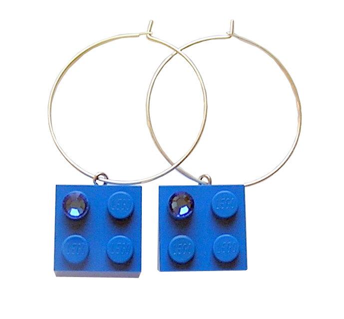 Dark Blue LEGO® brick 2x2 with a Blue SWAROVSKI® crystal on a Silver plated hoop
