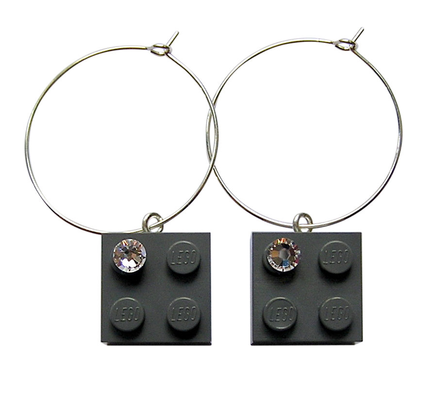 Gray LEGO® brick 2x2 with a 'Diamond' color SWAROVSKI® crystal on a Silver plated hoop
