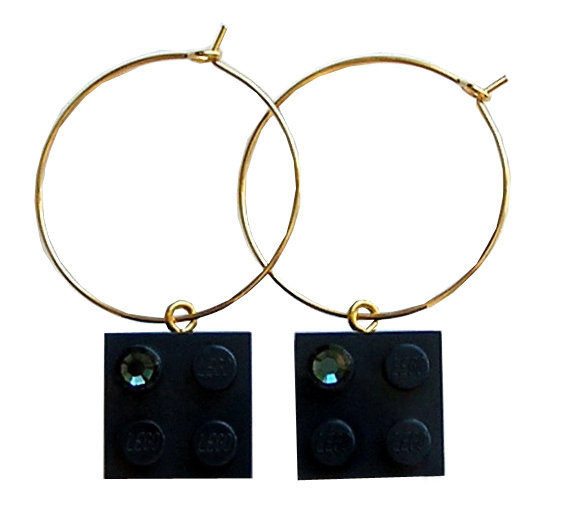 Navy Blue LEGO® brick 2x2 with a Blue SWAROVSKI® crystal on a Gold plated hoop